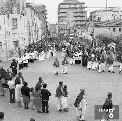 Processione dei S.S. Cosma e Damiano in piazza Borgo