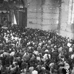 Fedeli nel Santuario dei S.S.Cosma e Damiano