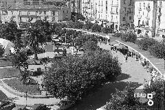 Vista dall'alto della fiera campionaria in piazza.Da girare