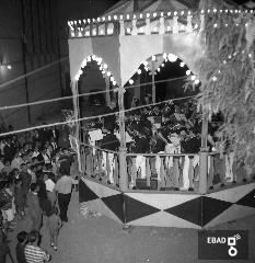Banda musicale e fedeli piazzale San Cosma e Damiano