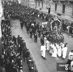Processione di San Matteo in Via Roma a Salerno. [Nota di Giuseppe Nappo]